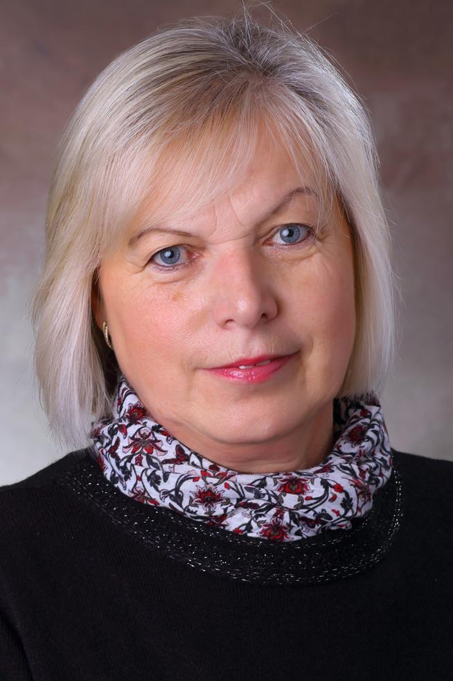 B. Tóth Katalin